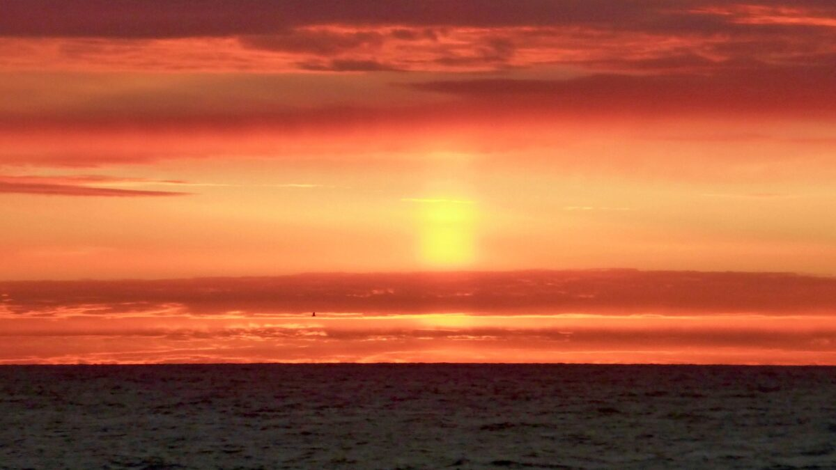 This Is the Season to Watch for Mirages and the Elusive Green Flash