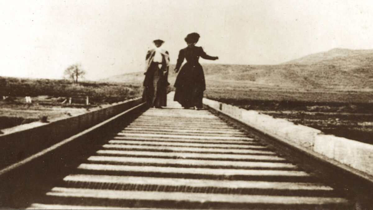 The Train to Nowhere: Travels on the Hueneme, Malibu & Port Los Angeles Railroad