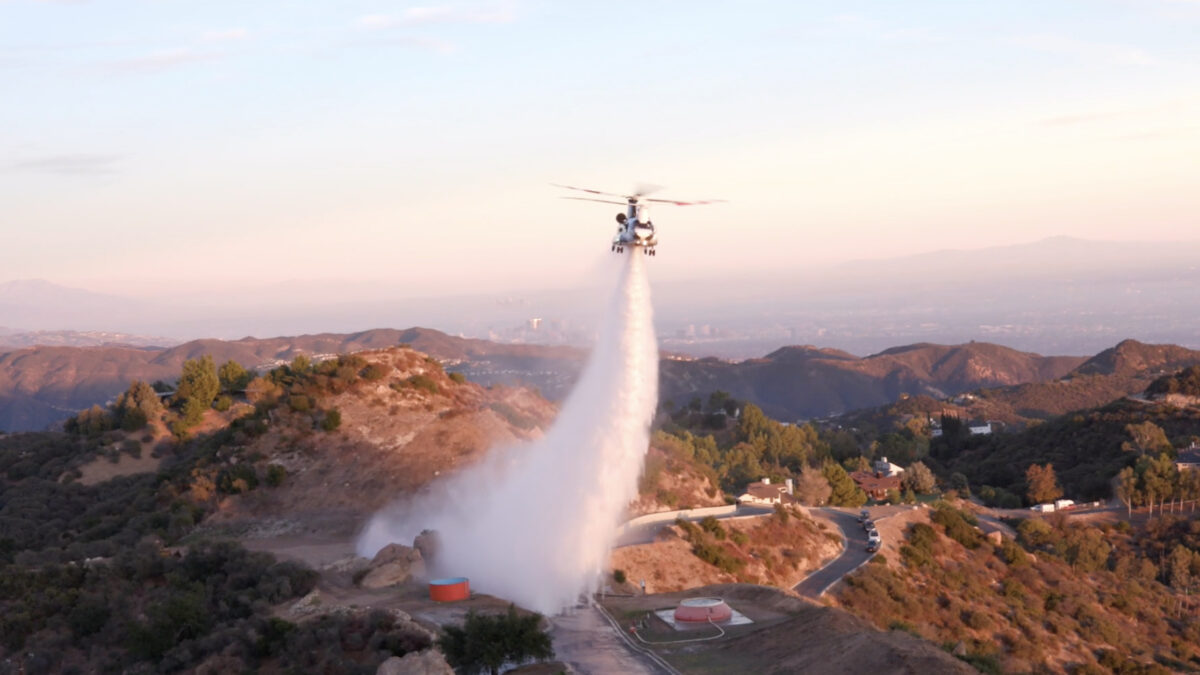The Chinook 47—World's Largest Fire-Fighting Helicopter